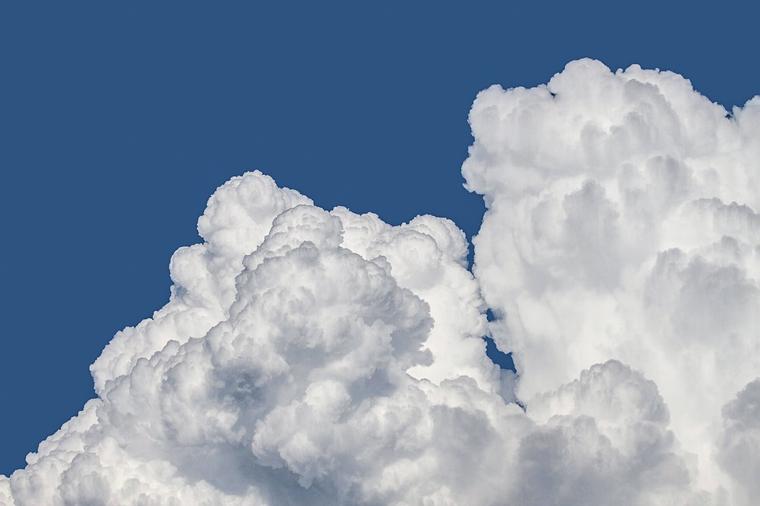 20160605-clouds-1439324_960_720